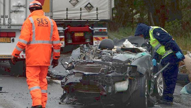 601447-an-vic-car-crash-beaufort