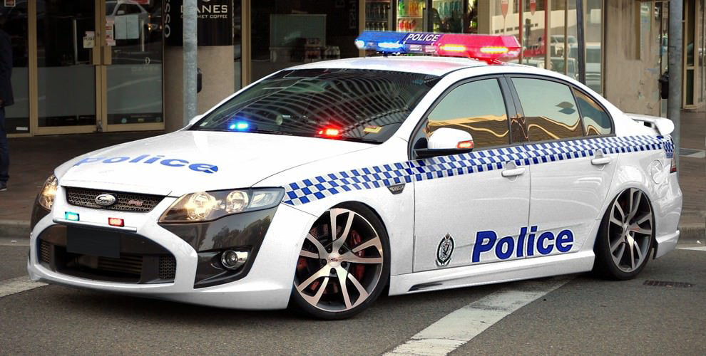 NSW-Ford-FPV-patrol-car-iPad-minis-Mobile-Notices-990x500
