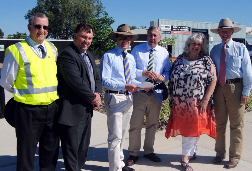 Main Road Minister visits Moree (1)