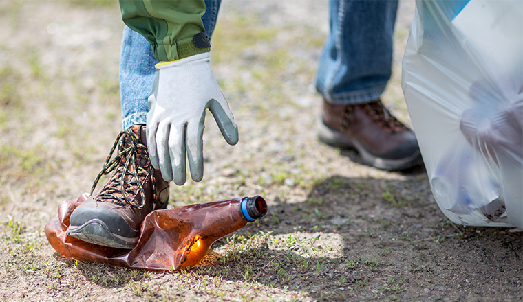 picking-up-bottle