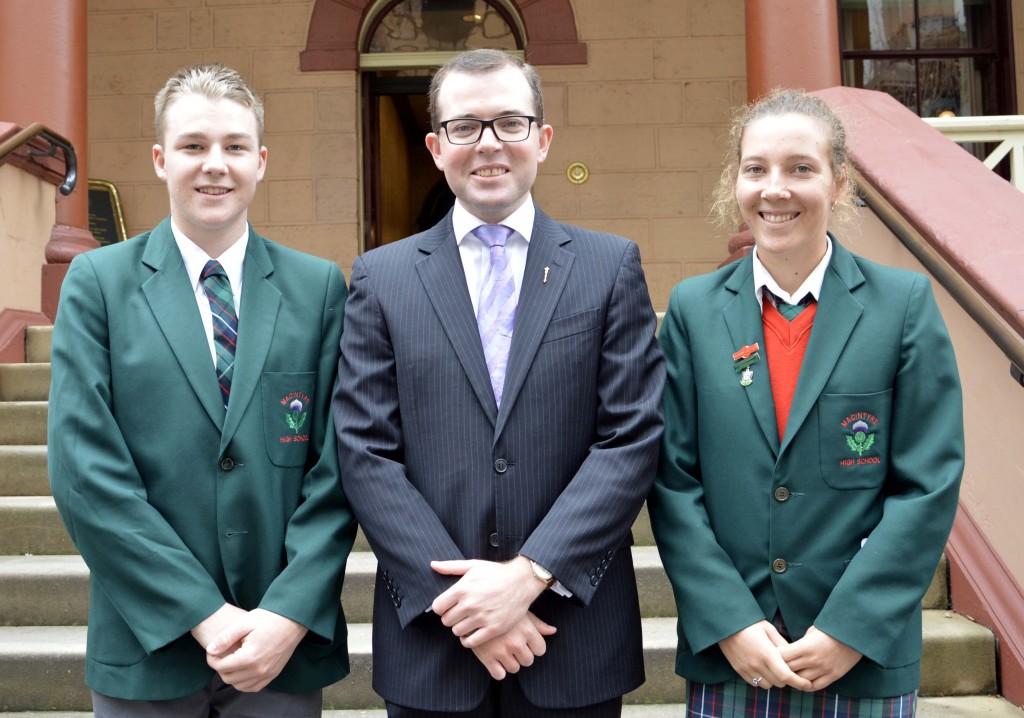 Macintyre HS student leaders visit Parly