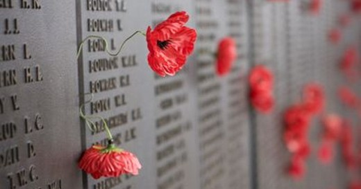 Lest-We-Forget-Remembrance-Wall-with-poppies