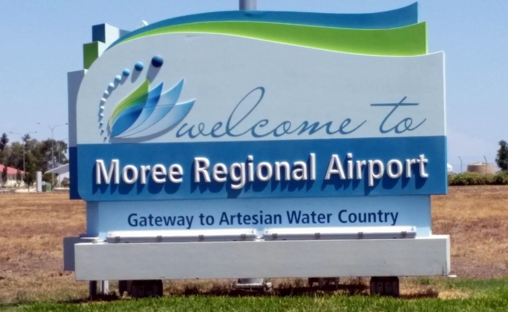 MoreeAirportSign
